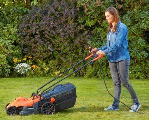 Kleine elektrische grasmaaier Black-en-Decker-BEMW461BH